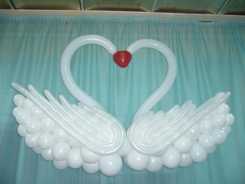Как сделать лебедей из шаров